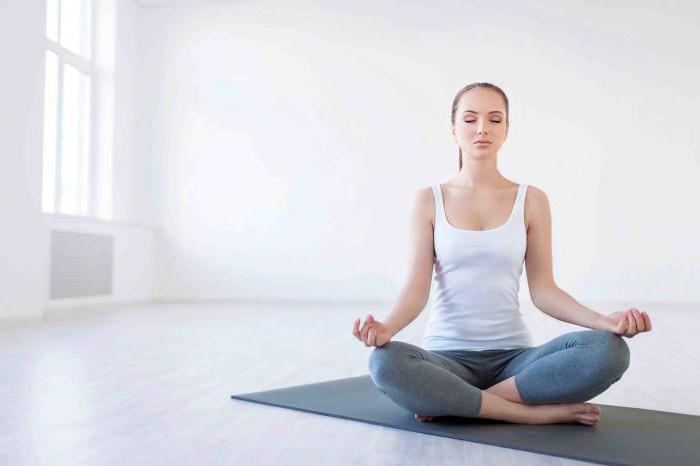 Мышечное напряжение в шее и плечах: чем себе помочь